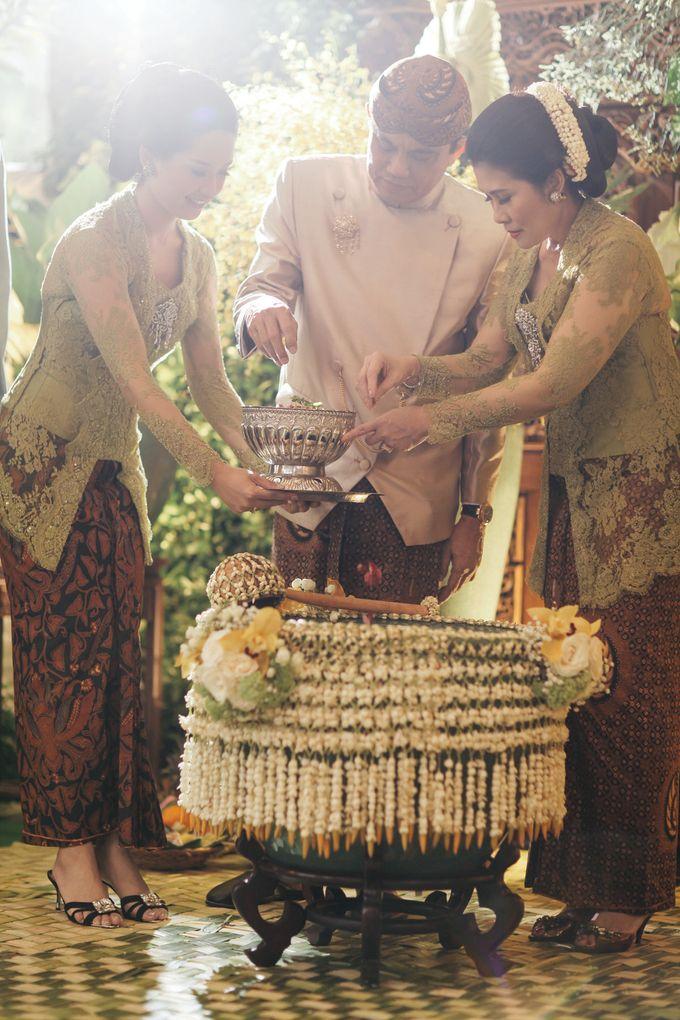 Erik & Christie Siraman by JAYSU Weddings by Jacky Suharto - 038