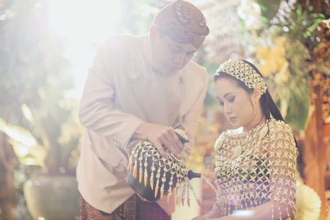 Erik & Christie Siraman by JAYSU Weddings by Jacky Suharto - 043