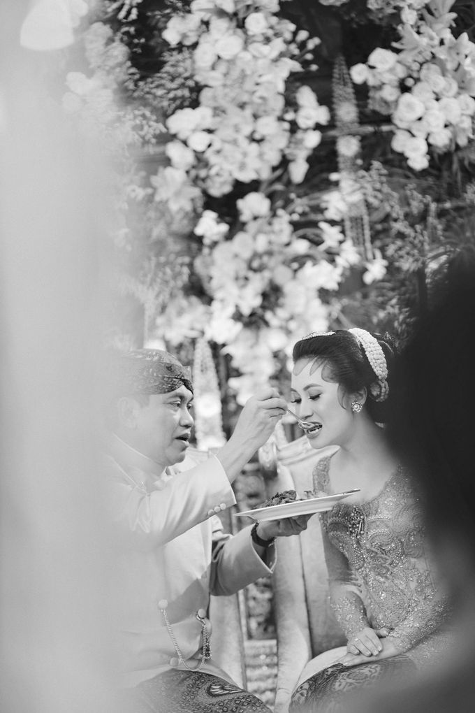 Erik & Christie Siraman by JAYSU Weddings by Jacky Suharto - 048