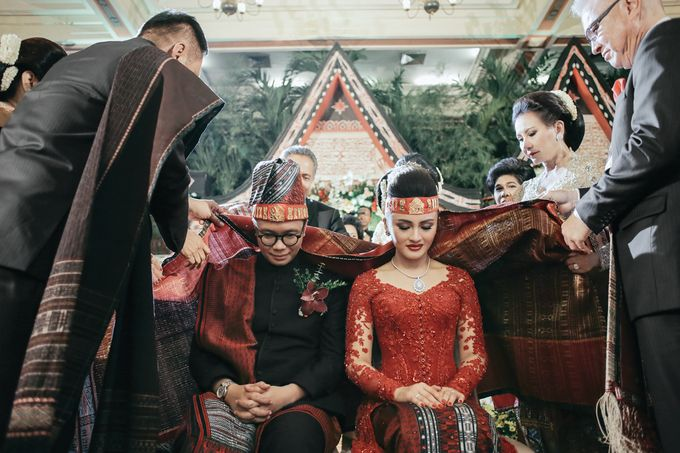 Togi & Jesicca - Holy Matrimony & Batak Ceremony by JAYSU Weddings by Jacky Suharto - 049
