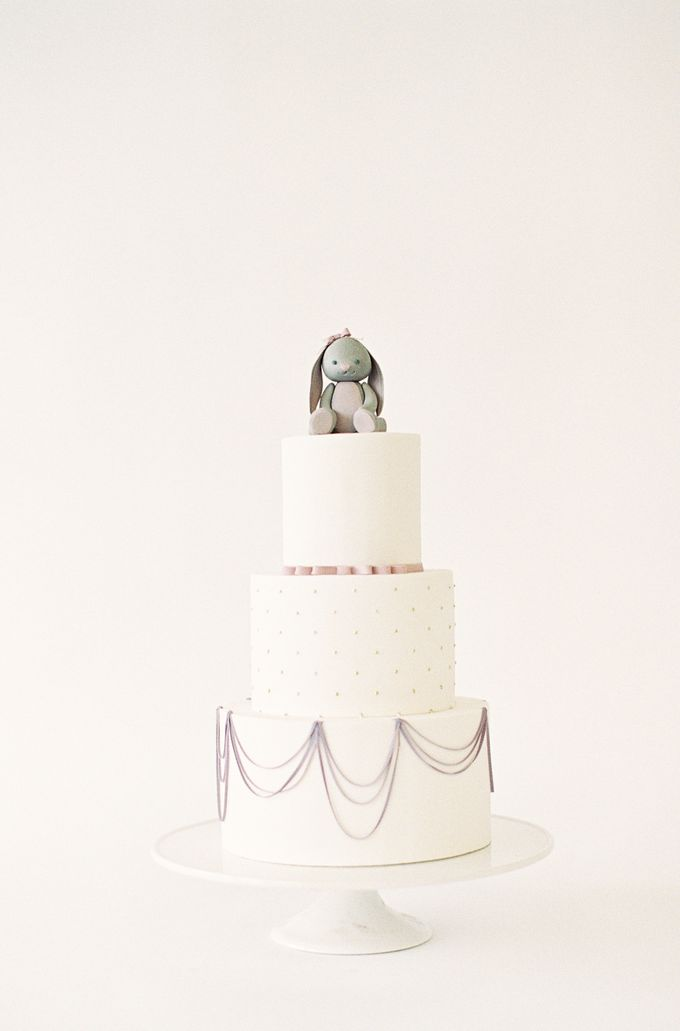Colorful and Romantic Wedding Cake Inspiration by Jen Huang Photo - 036