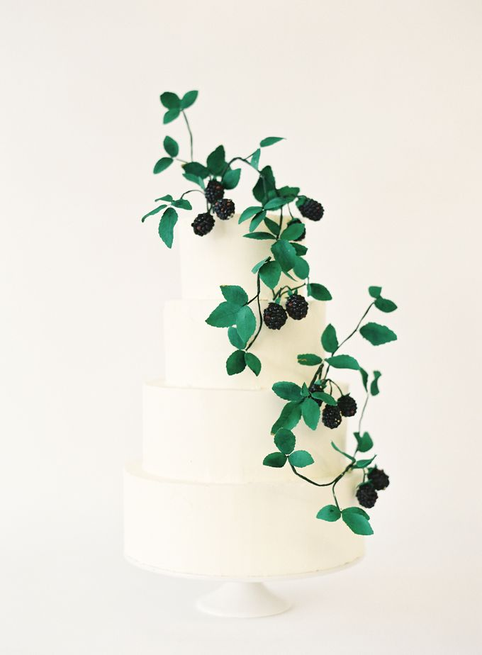 Colorful and Romantic Wedding Cake Inspiration by Jen Huang Photo - 018