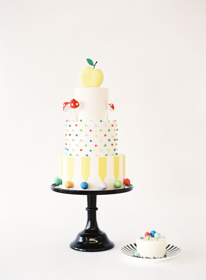 Colorful and Romantic Wedding Cake Inspiration by Jen Huang Photo - 024