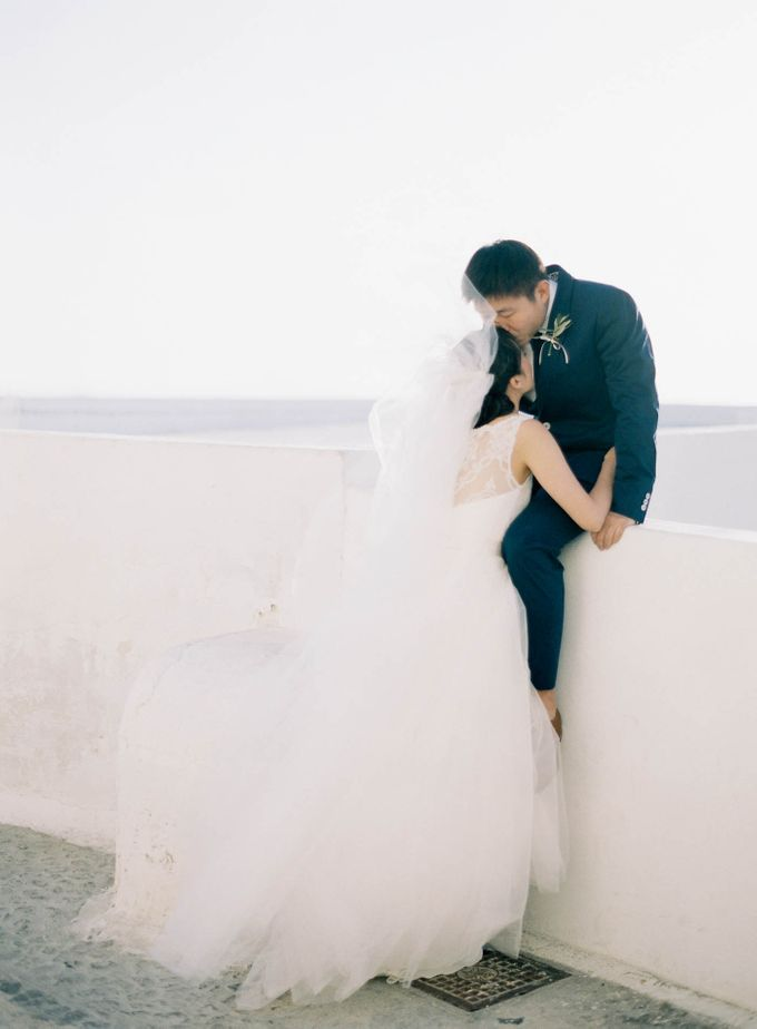 Classic and Beautiful Olive Green and Sea Blue Wedding in Santorini, Greece by Jen Huang Photo - 033