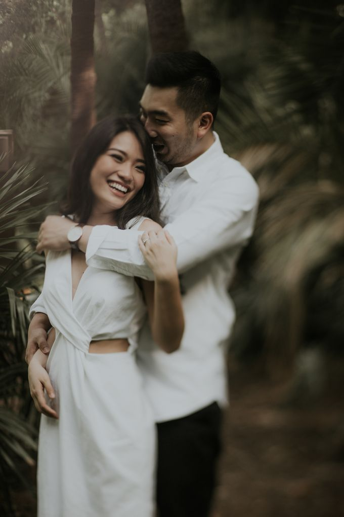 Jimmy & Sylvia Sydney Engagement Session by Calia Photography - 005