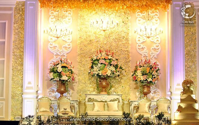 Magnificent Moment by Orchid Florist and Decoration - 003