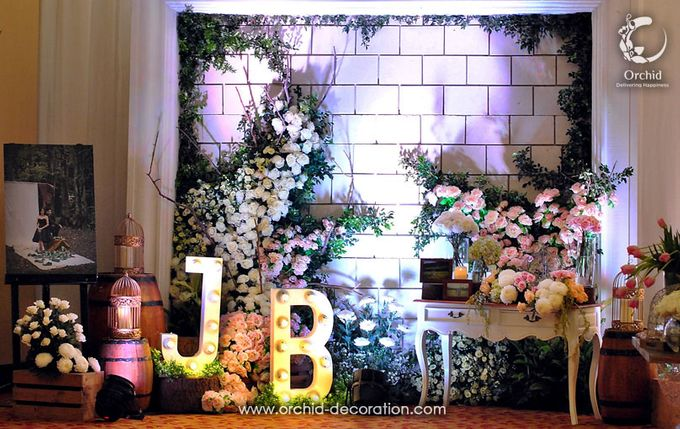 Magnificent Moment by Orchid Florist and Decoration - 009