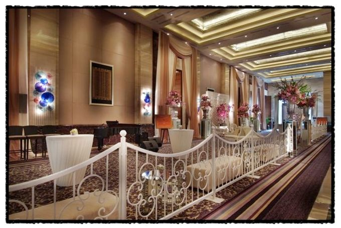Wedding at Kempinski Grand Ballroom - Hotel Indonesia Kempinski Jakarta by Hotel Indonesia Kempinski Jakarta - 017