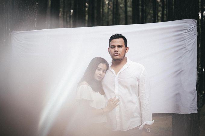 Selvy & Hanito Prewedding Shoot by Kenang Design - 012