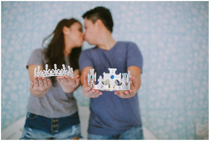 Crowns and balloons  Kraig and Queenie by Shutterfairy Photo - 008