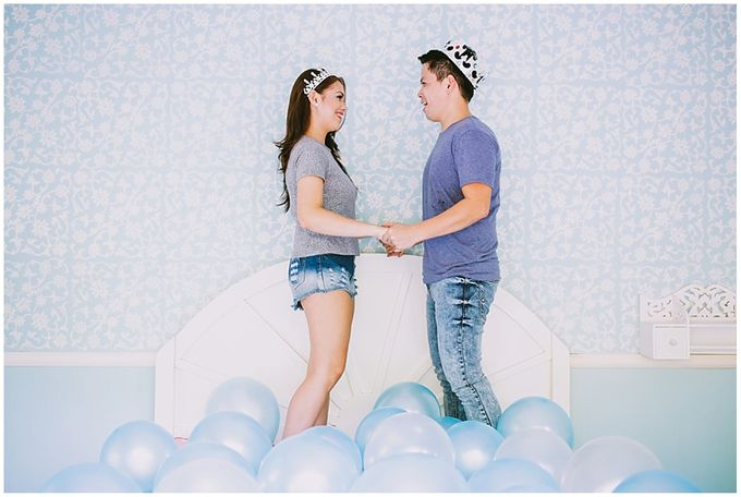 Crowns and balloons  Kraig and Queenie by Shutterfairy Photo - 028