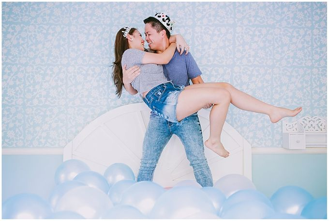Crowns and balloons  Kraig and Queenie by Shutterfairy Photo - 031