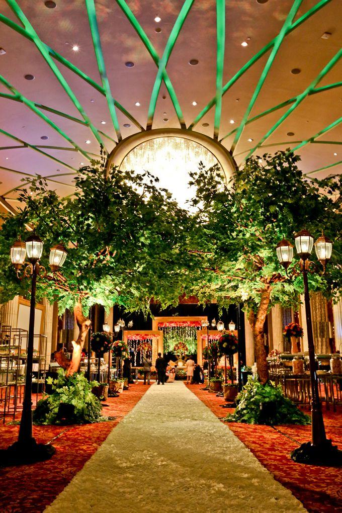 Wedding at Bali Room - Hotel Indonesia Kempinski Jakarta by Hotel Indonesia Kempinski Jakarta - 005