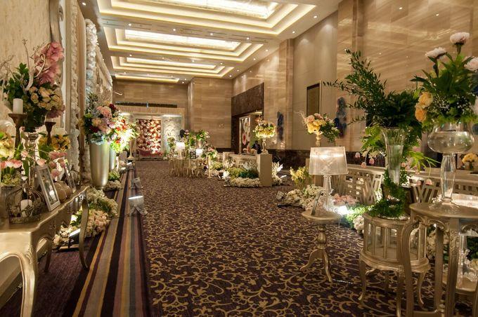 Wedding at Kempinski Grand Ballroom - Hotel Indonesia Kempinski Jakarta by Hotel Indonesia Kempinski Jakarta - 004