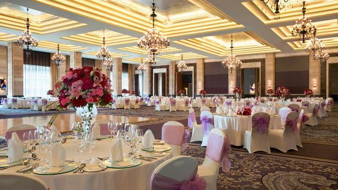 Wedding at Kempinski Grand Ballroom - Hotel Indonesia Kempinski Jakarta by Hotel Indonesia Kempinski Jakarta - 011