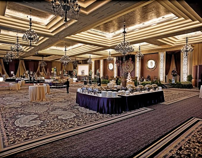 Wedding at Kempinski Grand Ballroom - Hotel Indonesia Kempinski Jakarta by Hotel Indonesia Kempinski Jakarta - 010