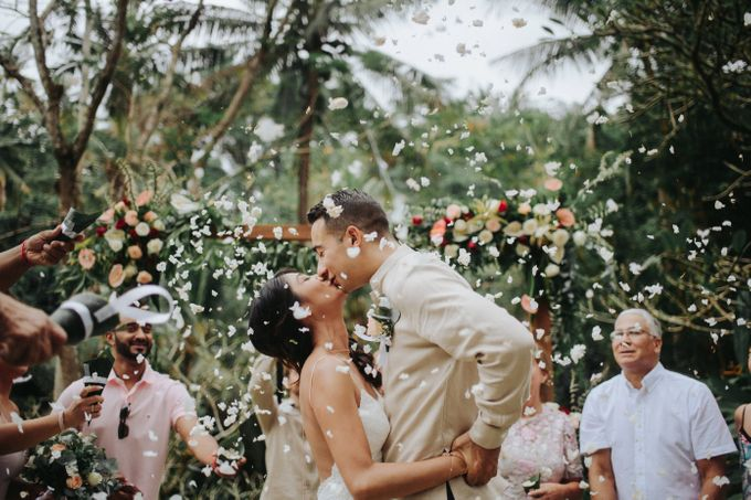 Ubud Wedding of Kim and Mike by Terralogical - 013