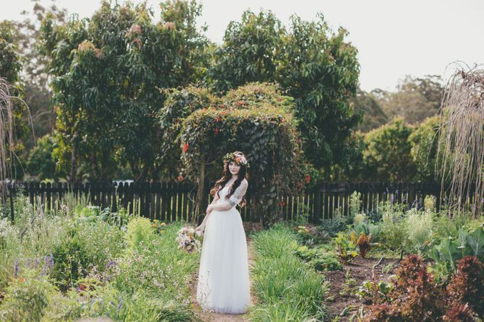 Our amazing garden elopement. by Ginger Lily & Rose Floral Studio - 018