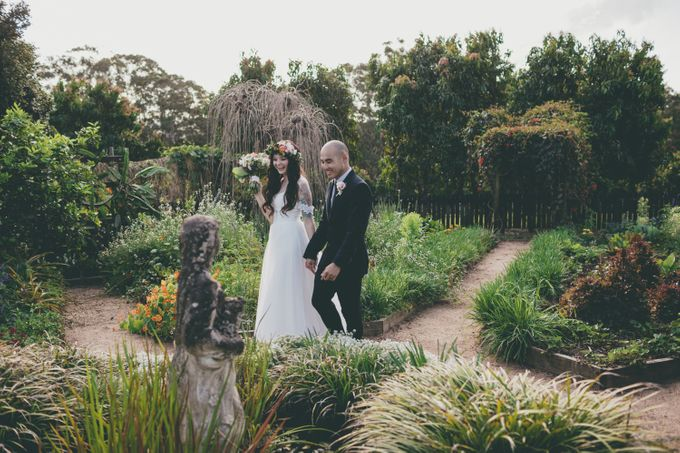 Our amazing garden elopement. by Ginger Lily & Rose Floral Studio - 011