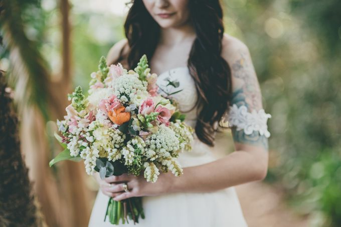 Our amazing garden elopement. by Ginger Lily & Rose Floral Studio - 015