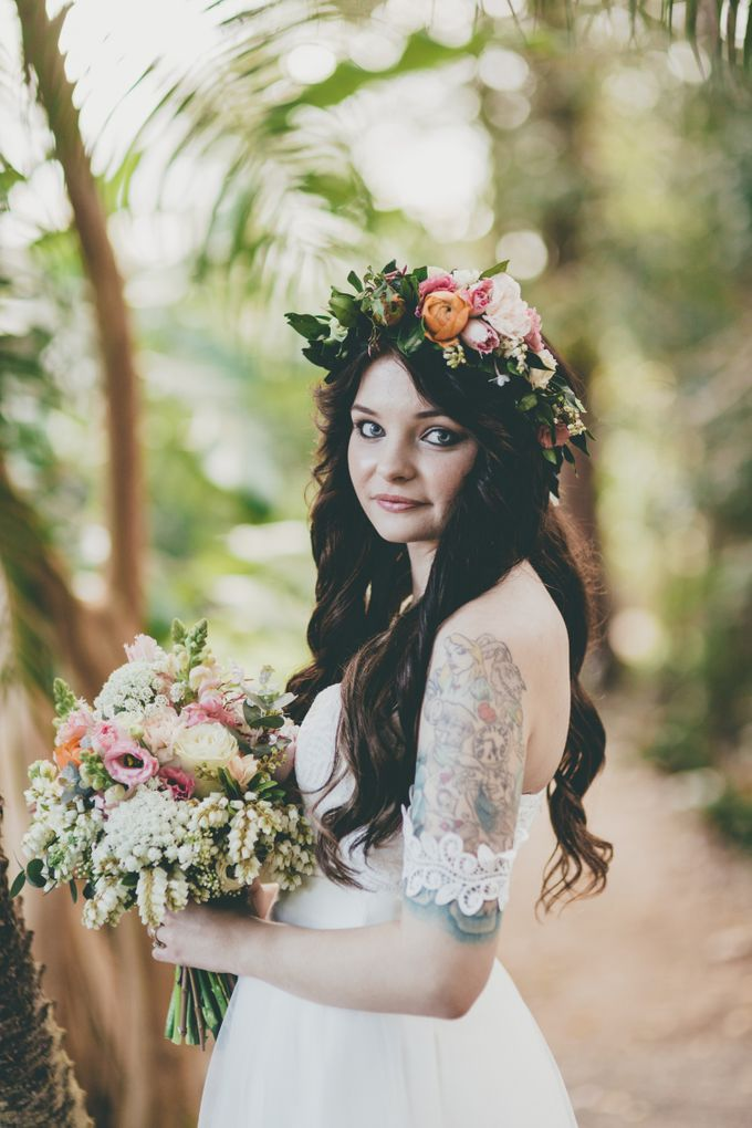 Our amazing garden elopement. by Ginger Lily & Rose Floral Studio - 016