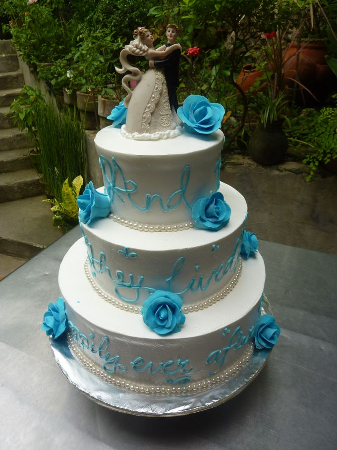 Three Layer Cakes by Cakes and Memories Bakeshop - 012