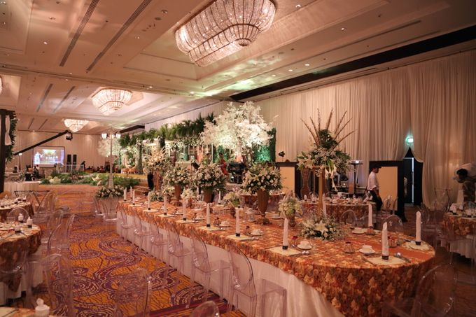 The wedding of ryan and ade by grand orchid decoration add to board the wedding of ryan and ade by shangri la hotel surabaya 021 junglespirit Images