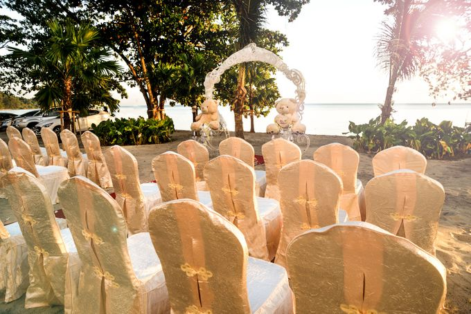 Beach Wedding Setup at Lexis Suites Penang by Lexis Suites Penang - 003