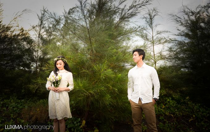 Firly & Asik prewedding photo session by Luxima Photography - 003