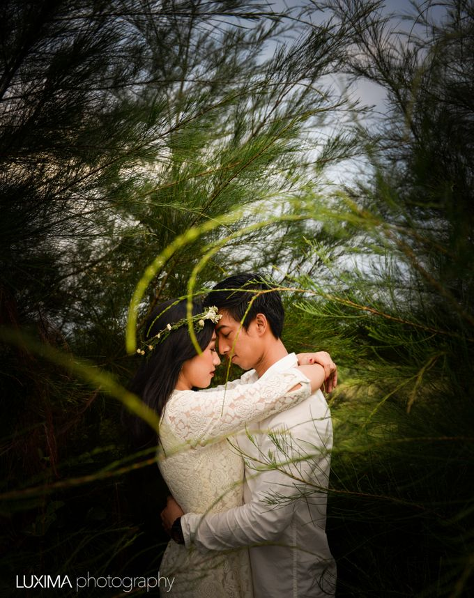 Firly & Asik prewedding photo session by Luxima Photography - 001