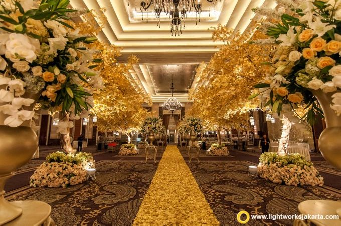Wedding at Kempinski Grand Ballroom - Hotel Indonesia Kempinski Jakarta by Hotel Indonesia Kempinski Jakarta - 031