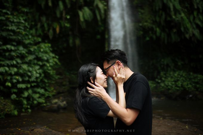 Lombok Prewedding of Adriel and Amy by PadiPhotography - 021