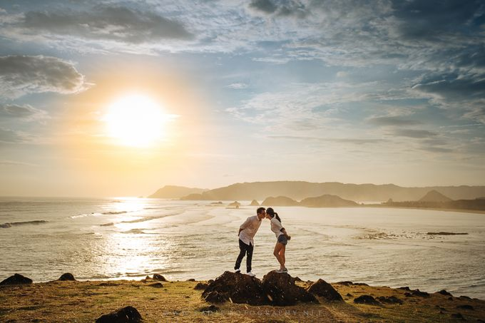 Lombok Prewedding of Adriel and Amy by PadiPhotography - 042