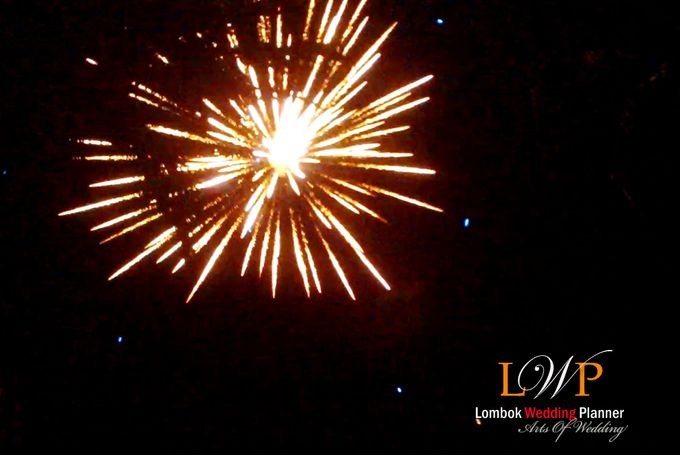 Firework In Lombok by lombok wedding planner - 005