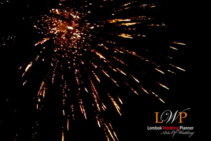 Firework In Lombok by lombok wedding planner - 010