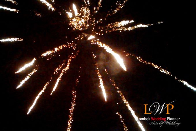 Firework In Lombok by lombok wedding planner - 011