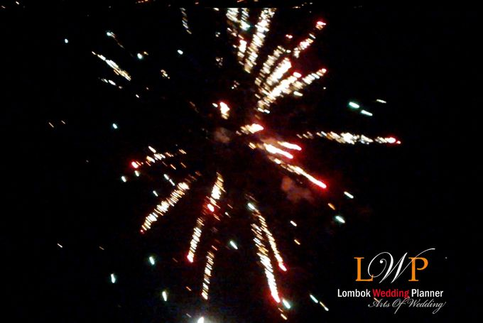 Firework In Lombok by lombok wedding planner - 012