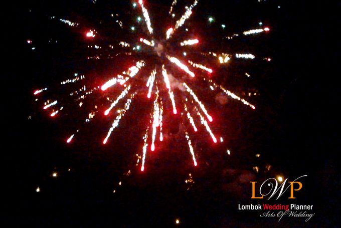 Firework In Lombok by lombok wedding planner - 015