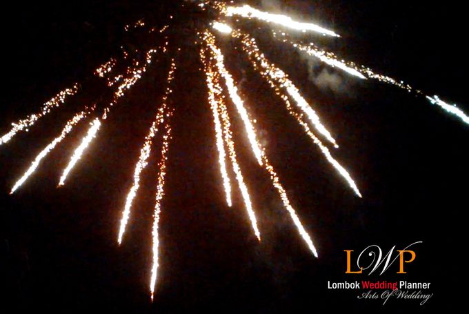 Firework In Lombok by lombok wedding planner - 013