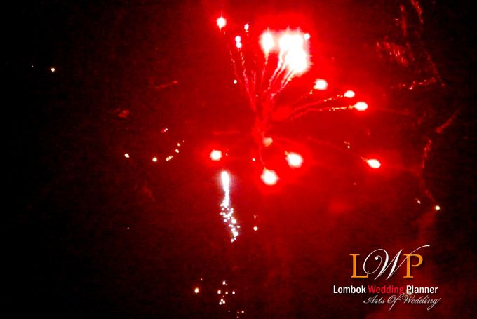 Firework In Lombok by lombok wedding planner - 014