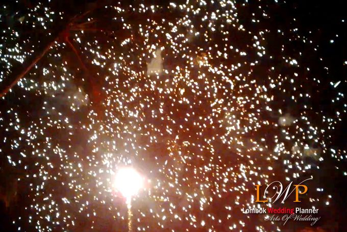 Firework In Lombok by lombok wedding planner - 002