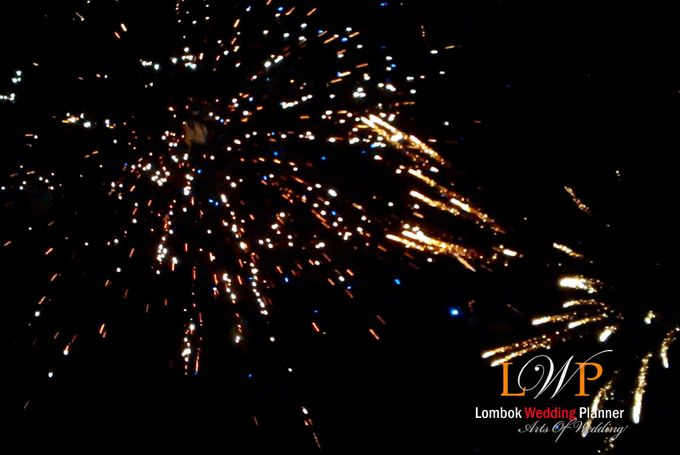 Firework In Lombok by lombok wedding planner - 003