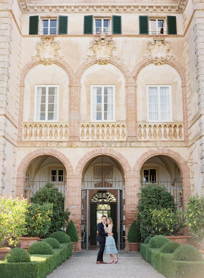 Srping Villa Cetinale Engagement Shoot by Jen Huang Photo - 001