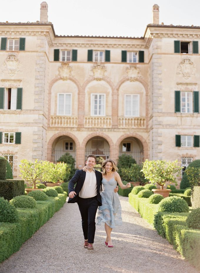 Srping Villa Cetinale Engagement Shoot by Jen Huang Photo - 007