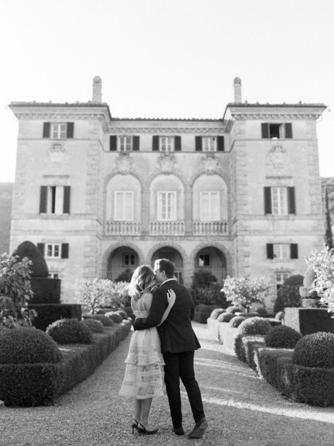 Srping Villa Cetinale Engagement Shoot by Jen Huang Photo - 014