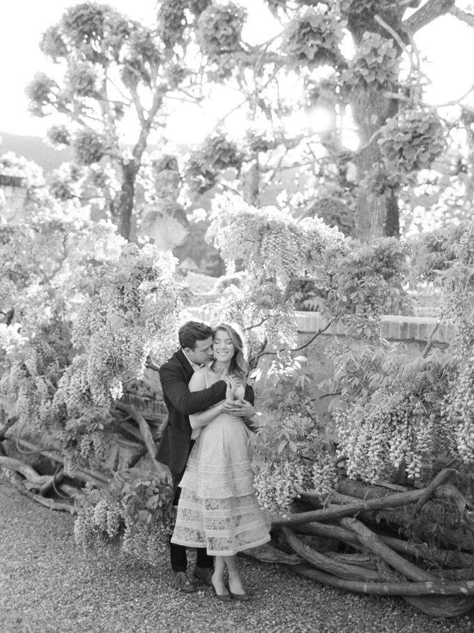 Srping Villa Cetinale Engagement Shoot by Jen Huang Photo - 018