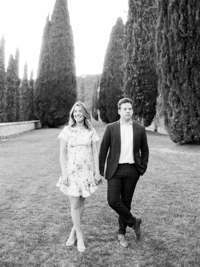 Srping Villa Cetinale Engagement Shoot by Jen Huang Photo - 038