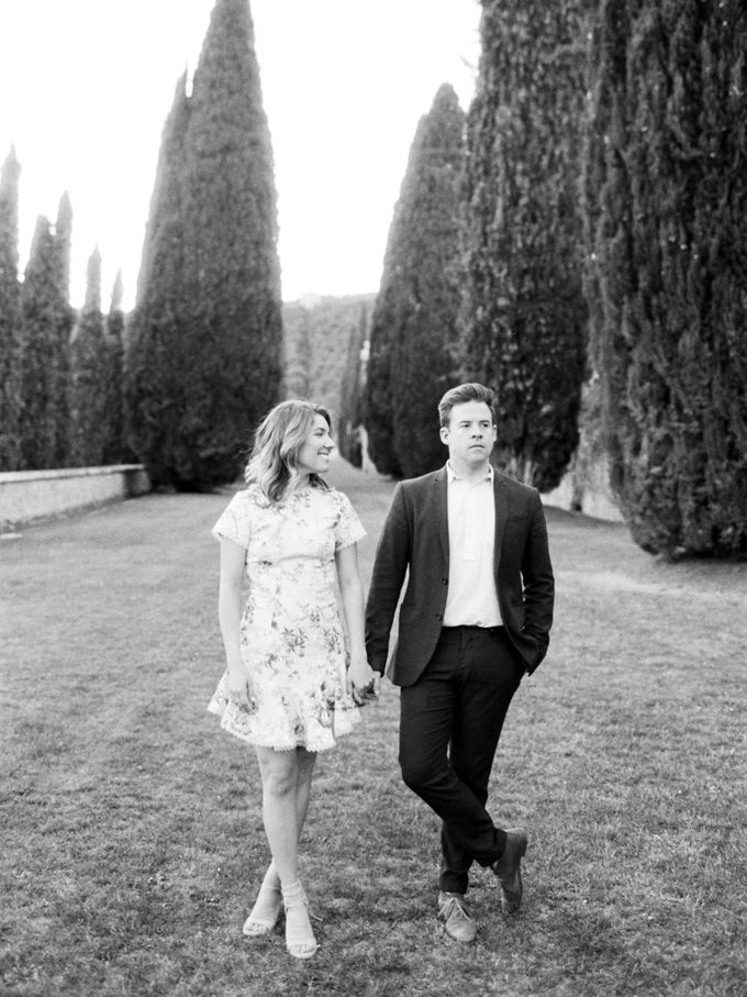 Srping Villa Cetinale Engagement Shoot by Jen Huang Photo - 039