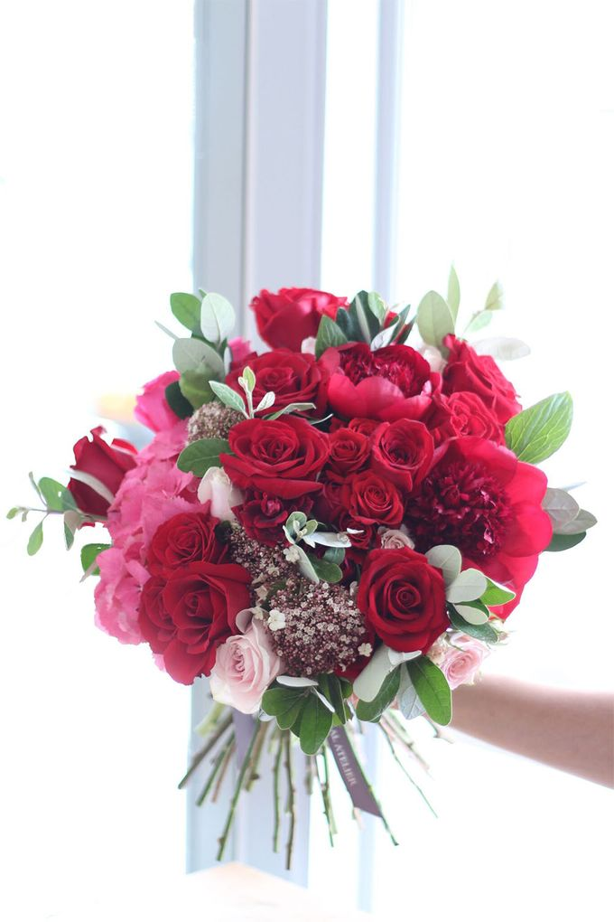 SIGNATURE BOUQUETS by The Floral Atelier - 010