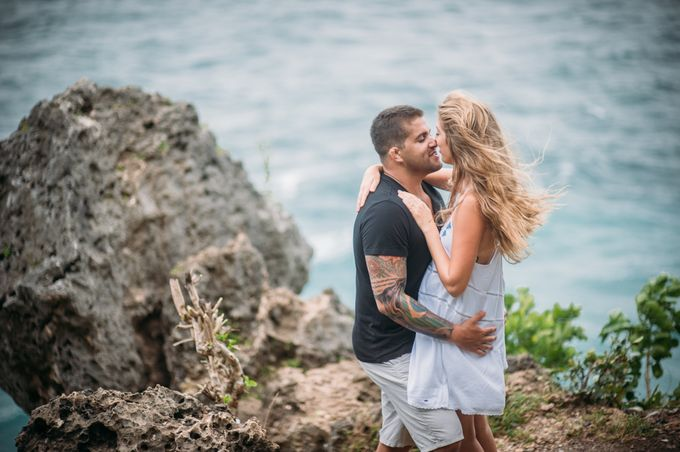 Wind Cannot Stop Us on Engagement Thiago and Jessica from Brazil by Mariyasa - 003